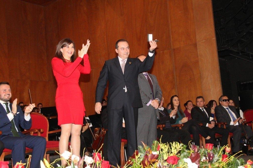 Actos2013Medalla_Bimilenario_003